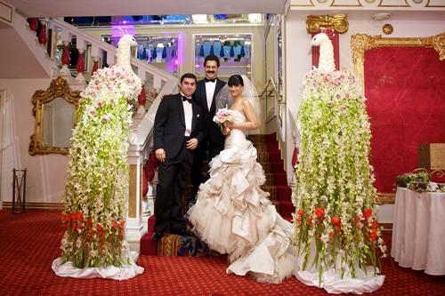 Смотреть секс на свадьбе со всеми гостями